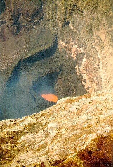 Cratera do vulcão Villarrica - Foto gentilmente cedida ao site VULCANOticias pelo Geol. e Prof. Claiton Scherer (UFRGS)