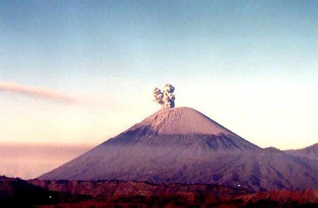 Fotografia gentilmente cedida à VULCANOtícias pelo Geol. e Prof. Evandro LIma (UFRGS)