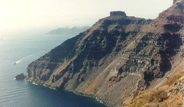Fotografia gentilmente cedida à VULCANOtícias pelo Geol. e Prof. De Ros (UFRGS)